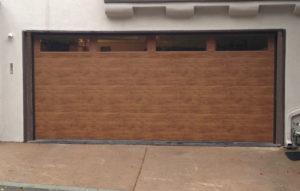Flush Woodlike w/Plainlite Windows