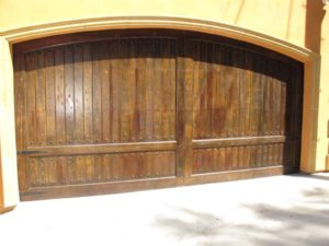Carriage Clavos Custom Arch Redwood Wood