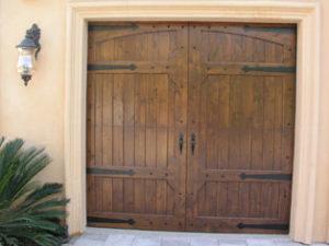 Knotty Alder RHD Door